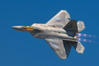 Lockheed_Martin_F-22A_Raptor